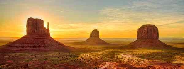Monument Valley (Shutterstock)