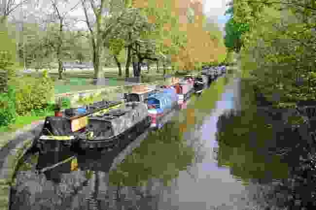 Victoria Park alongside Regent's Canal (Shutterstock)