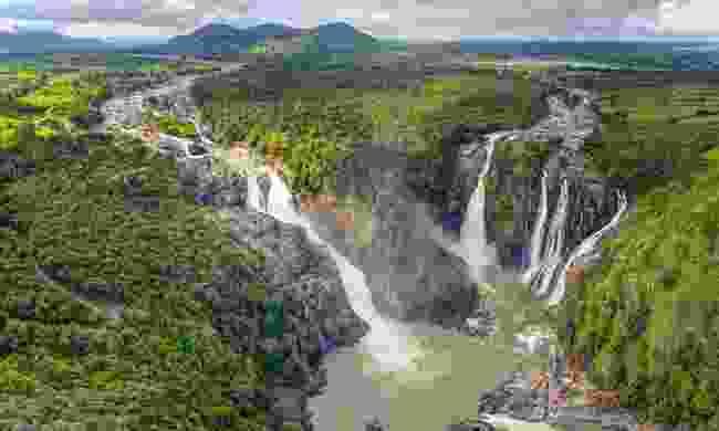 Panoramic view of the Shivanasamudra waterfalls (Shutterstock)