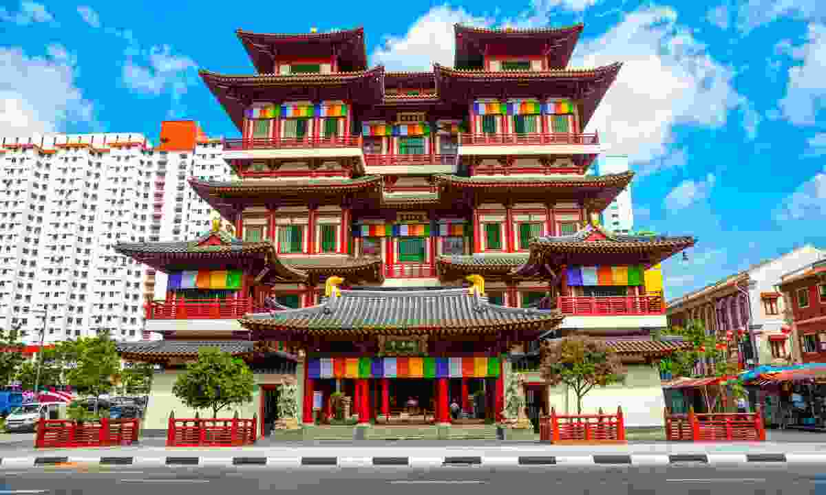 The eccentric Buddha Tooth Relic Temple (Shutterstock)