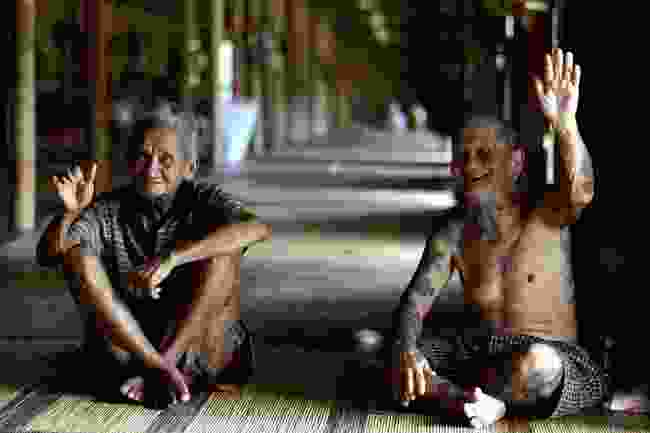Spend a night in a longhouse (Sarawak Tourism Board)