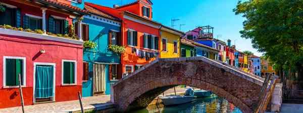Colourful buildings in Burano (Shutterstock)