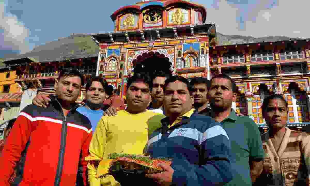 Pilgrims gathering outside Badrinath Temple (Dreamstime)