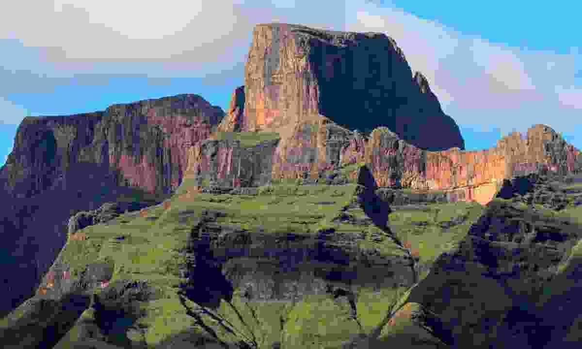 Sentinel Peak in the Drakensberg mountains (Dreamstime)