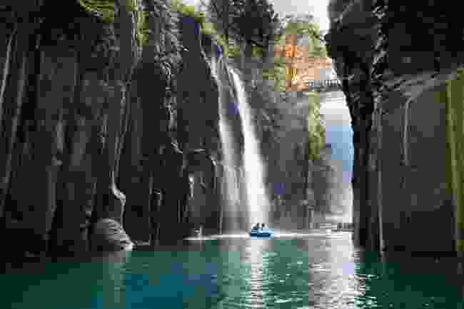 Manai Falls, Takachiho Gorge, Kyushu (Shutterstock)