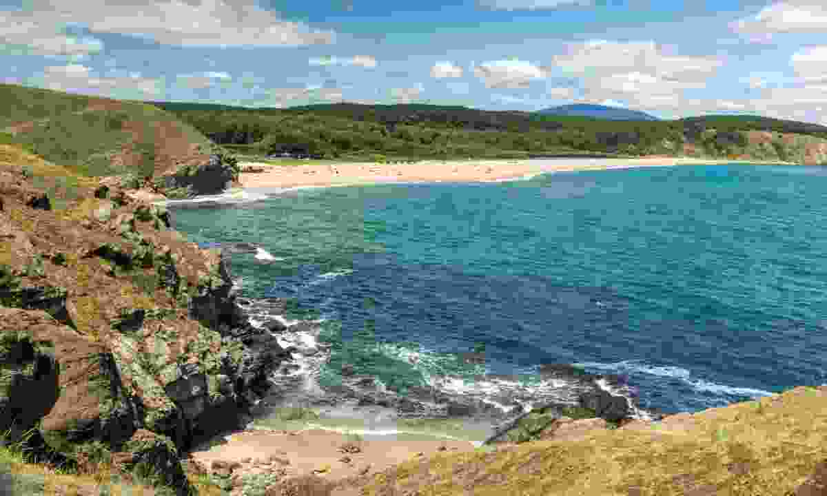Walk along the coast to escape the crowds of Sinemorets (Dreamstime)