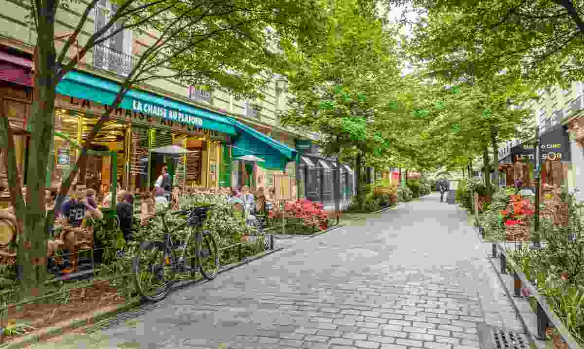 A quiet street in the bohemian Marais district of Paris (Dreamstime)