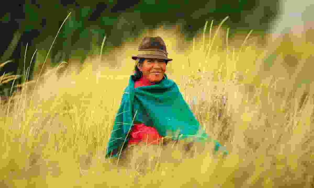 Encounter locals in Ecuador (Journey Latin America)