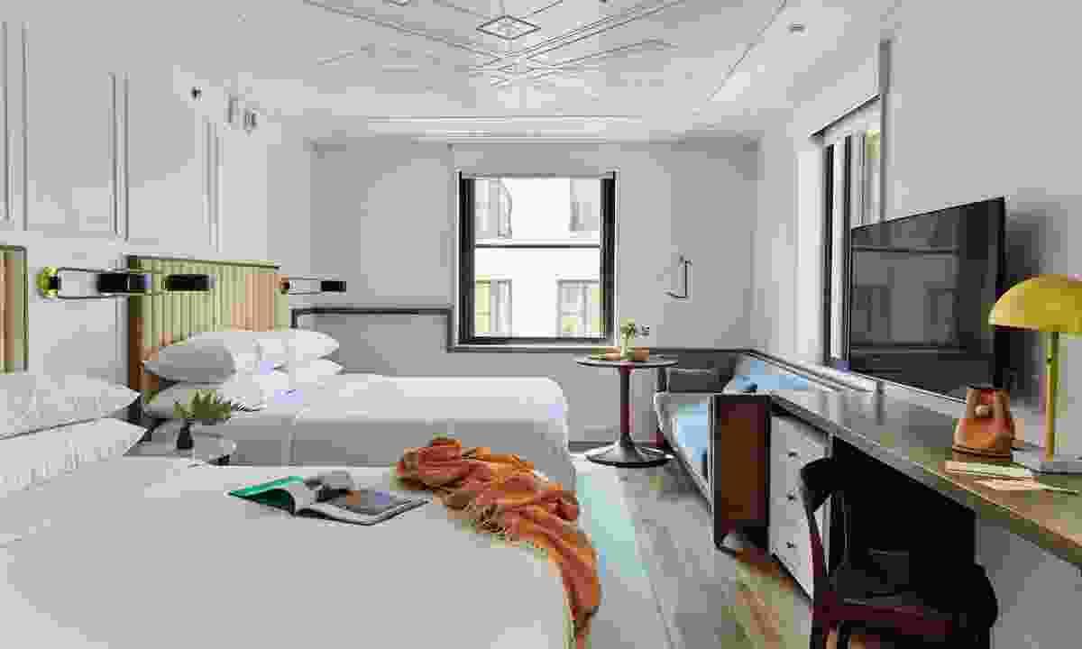 Art Deco gem Noelle (Emily Dorio)