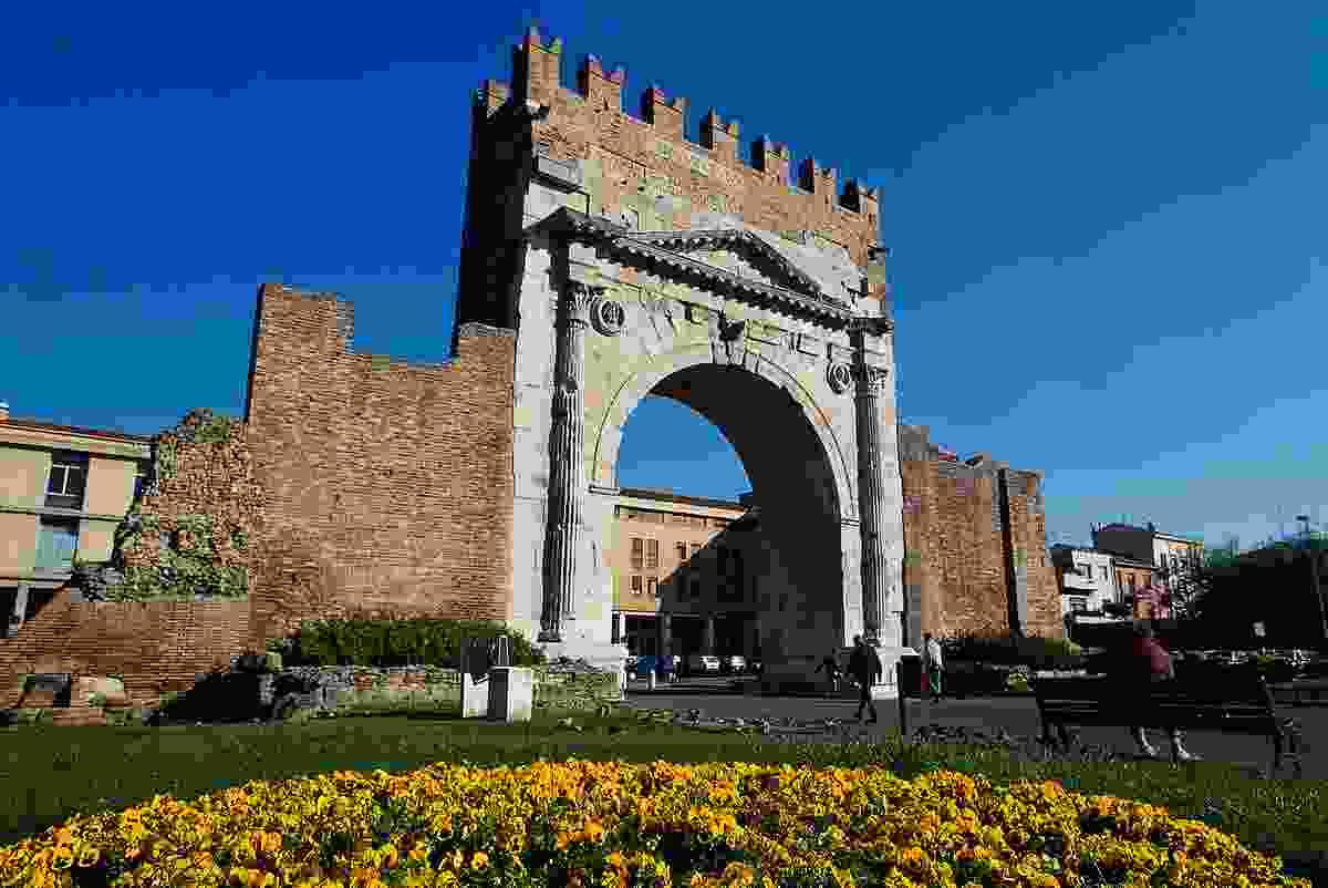 Arco d'Augusto (Emilia Romagna Turismo)