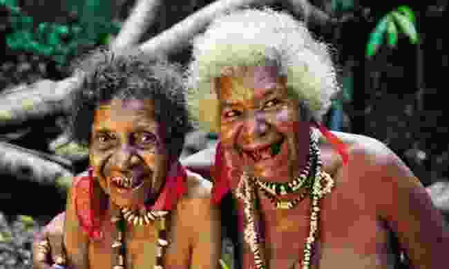 Oro tattooed women (PNGTPA)