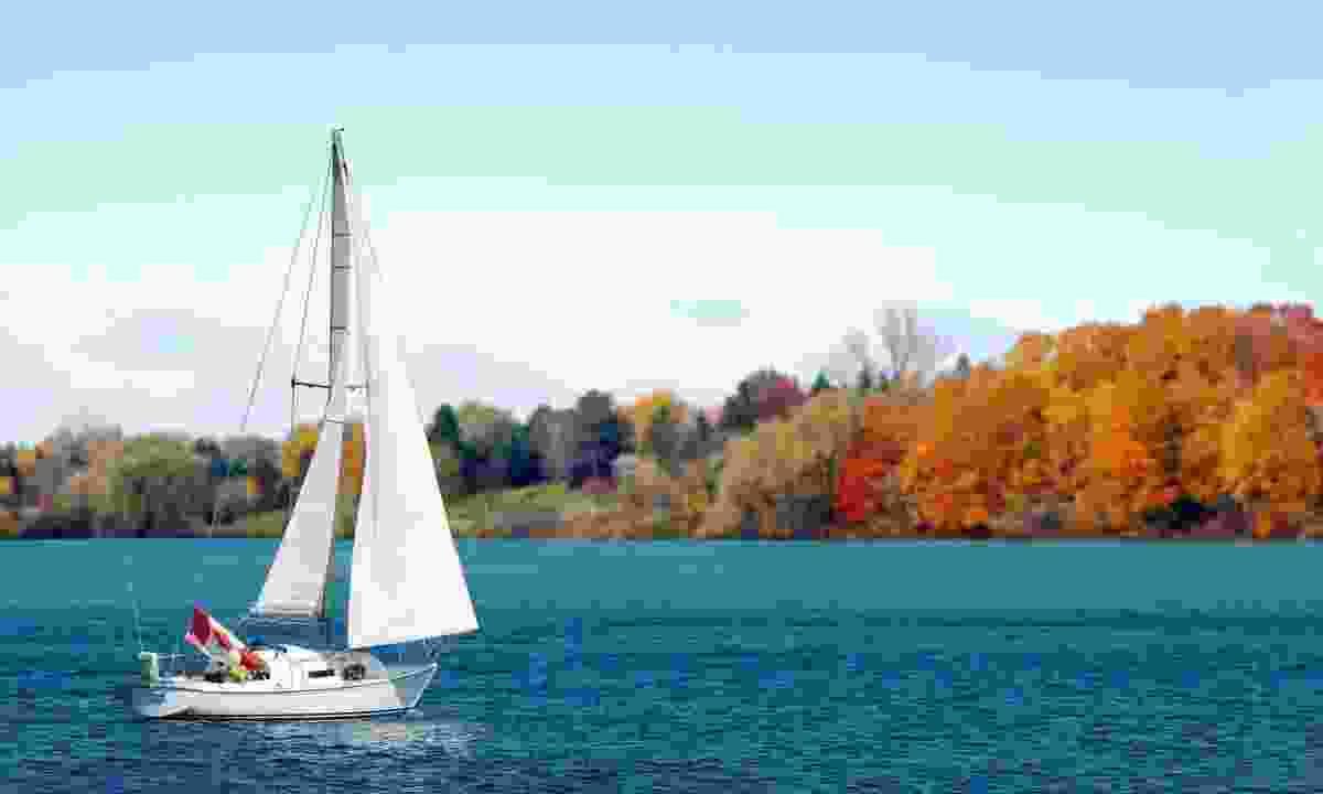 Sailing in Canada in autumn (Dreamstime)