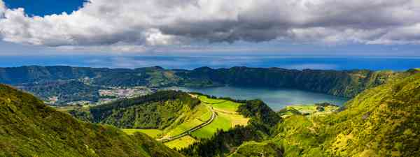 Sete Cidades' crater lake in the Azores (Shutterstock)