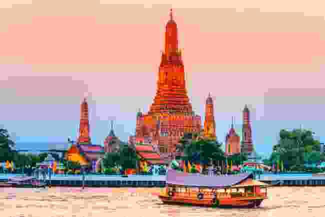 Chao Phraya river and Wat Arun (Shutterstock)