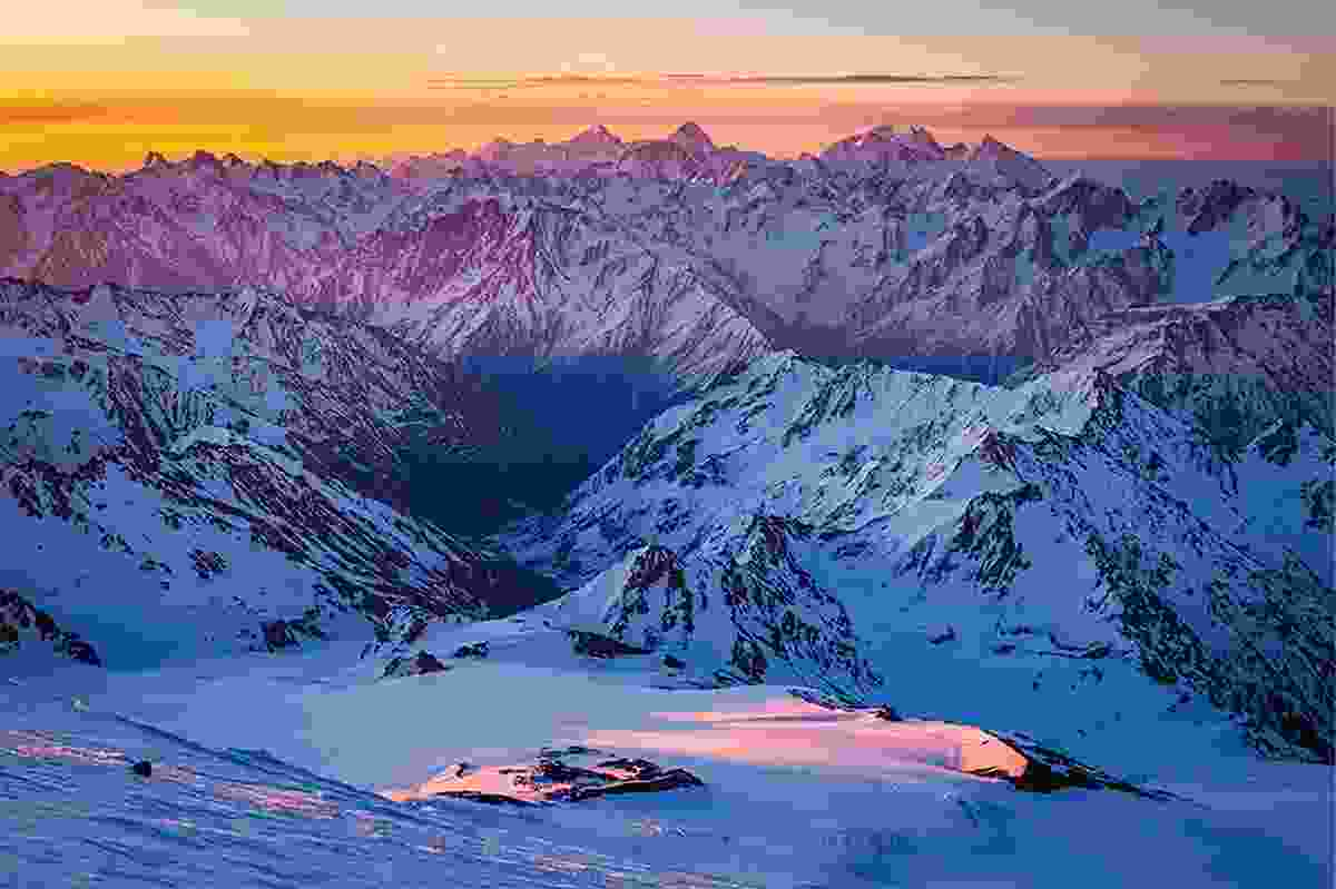 Explosion of colours in the Caucasus Mountains (Photo © Adrian Rohnfelder. All rights reserved)