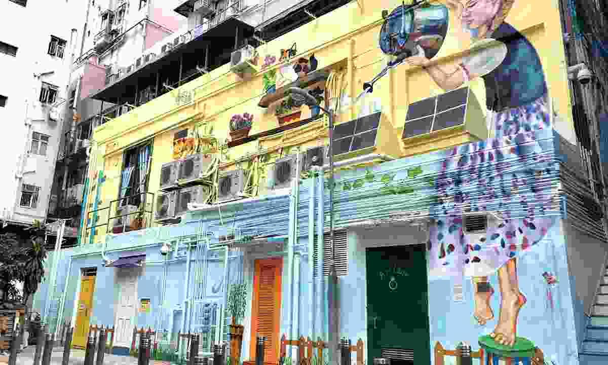 A colurful mural in Art Lane (Hong Kong Tourism Board)
