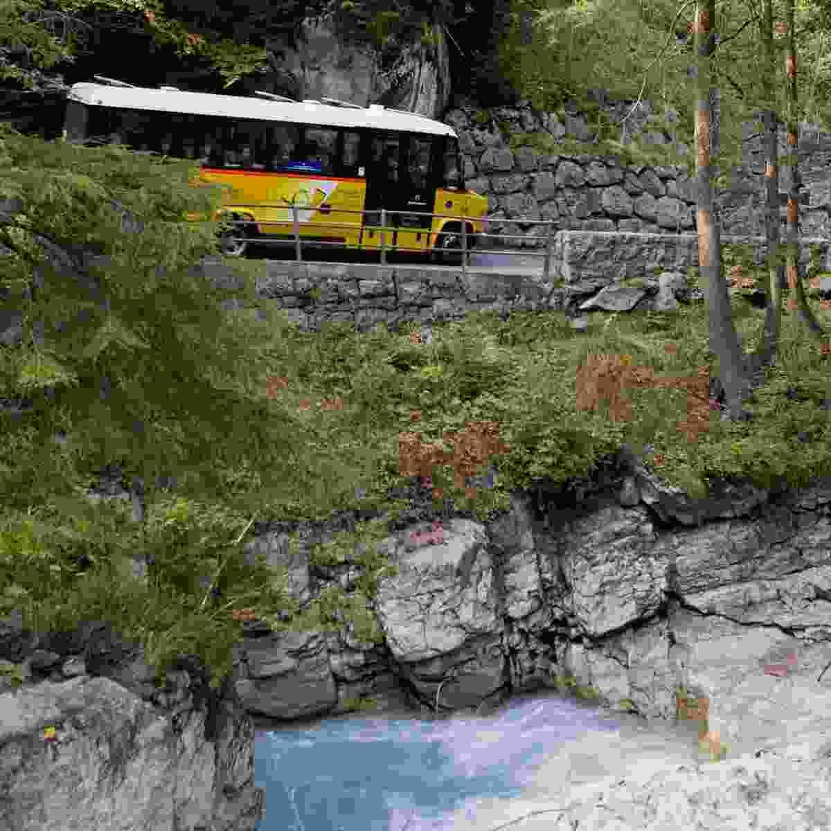 Beautiful bus trip in the Bernese Oberland (Tourism Adelboden Lenk Kandersteg)