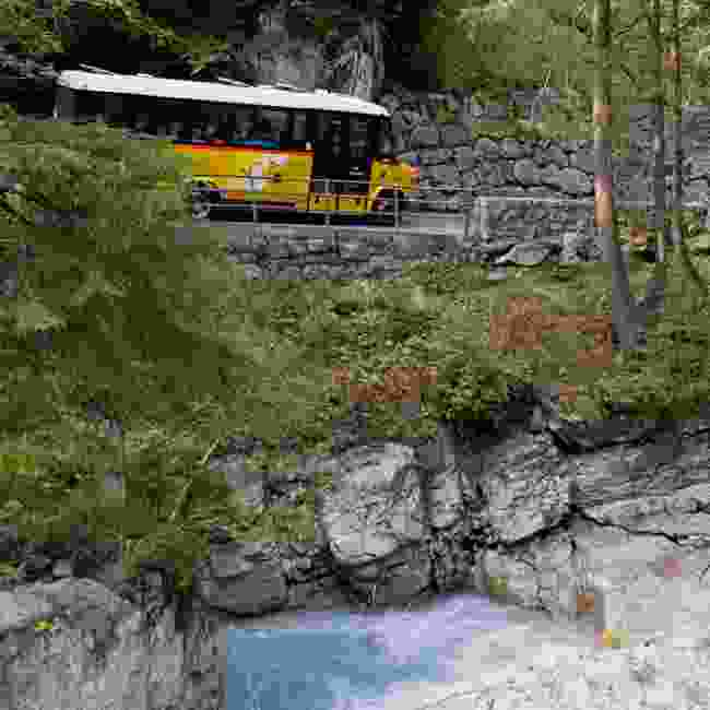 Beautiful bus trip in the Bernese Oberland (Tourism Adelboden Lenk Kandersteg)