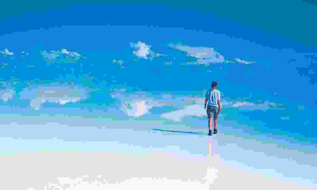 Exploring Salar de Uyuni (Dreamstime)