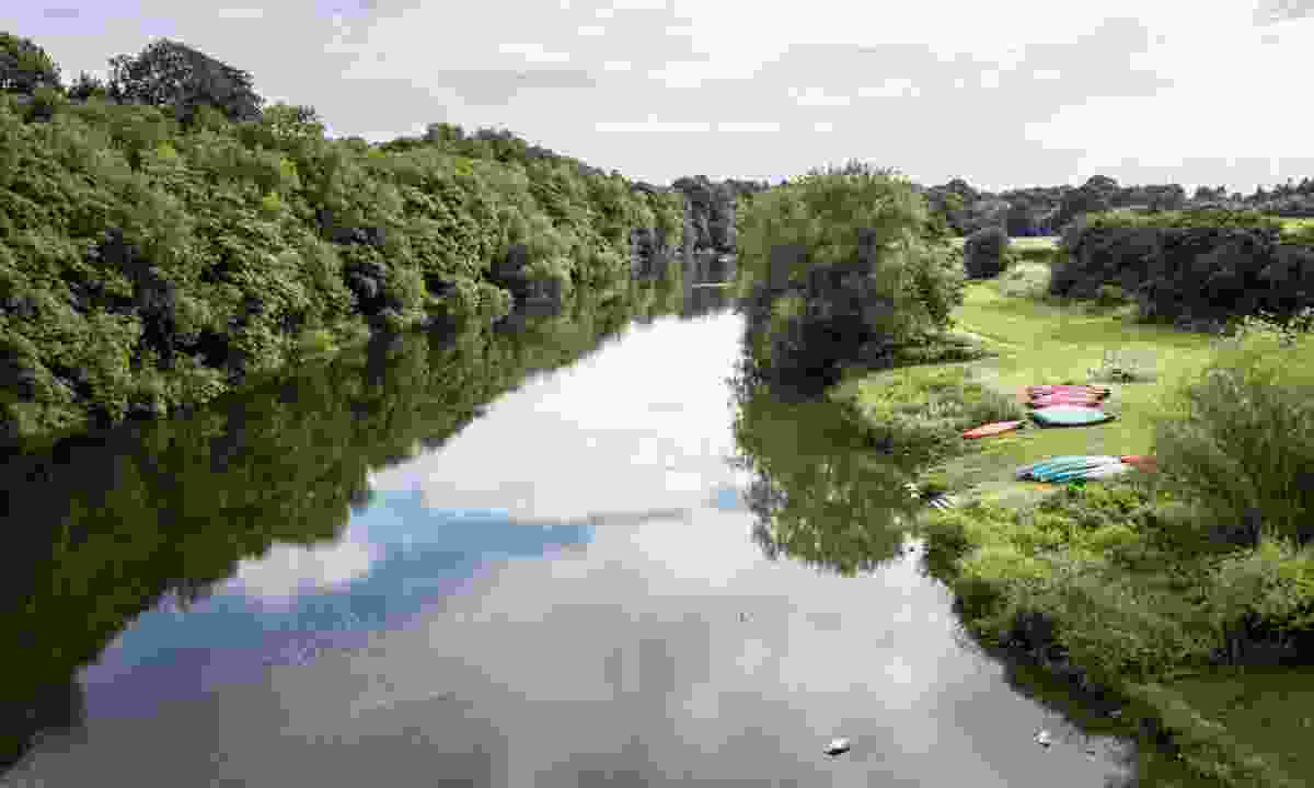 Canoes beside the River Wye (Shutterstock)