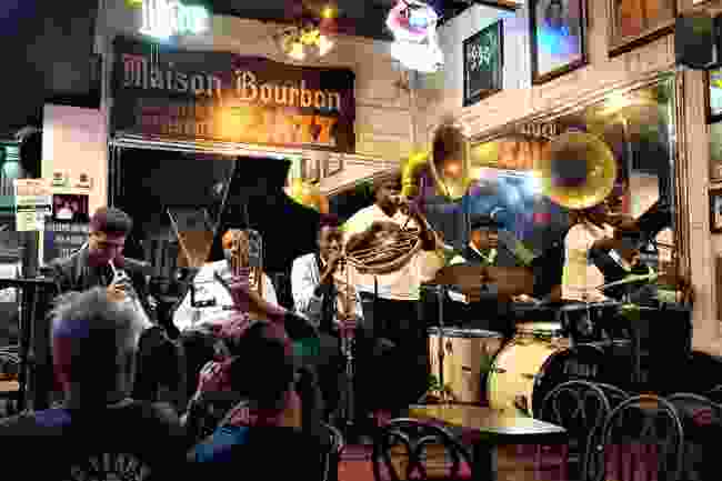 Jazz band playing in a bar on Bourbon Street (Shutterstock)
