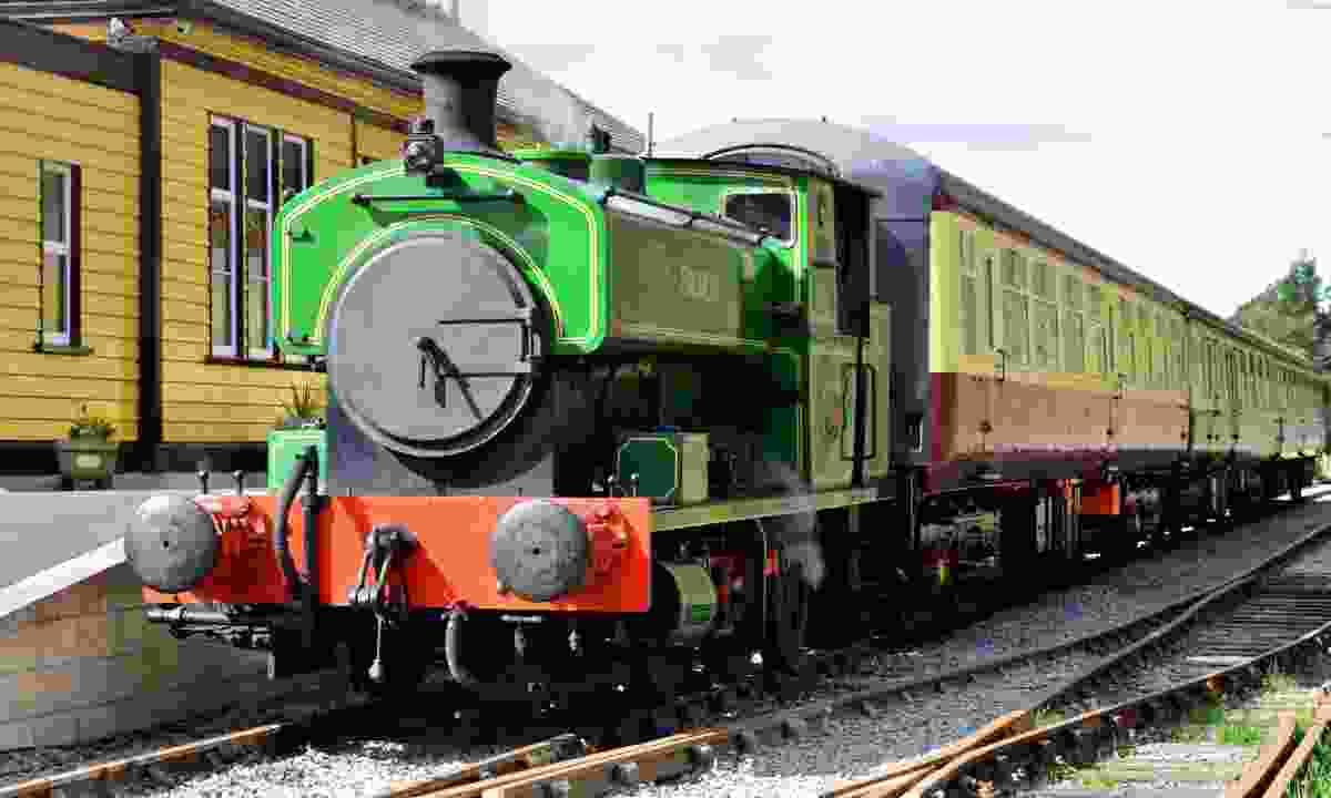 Steam train at Milton of Crathes (Shutterstock)
