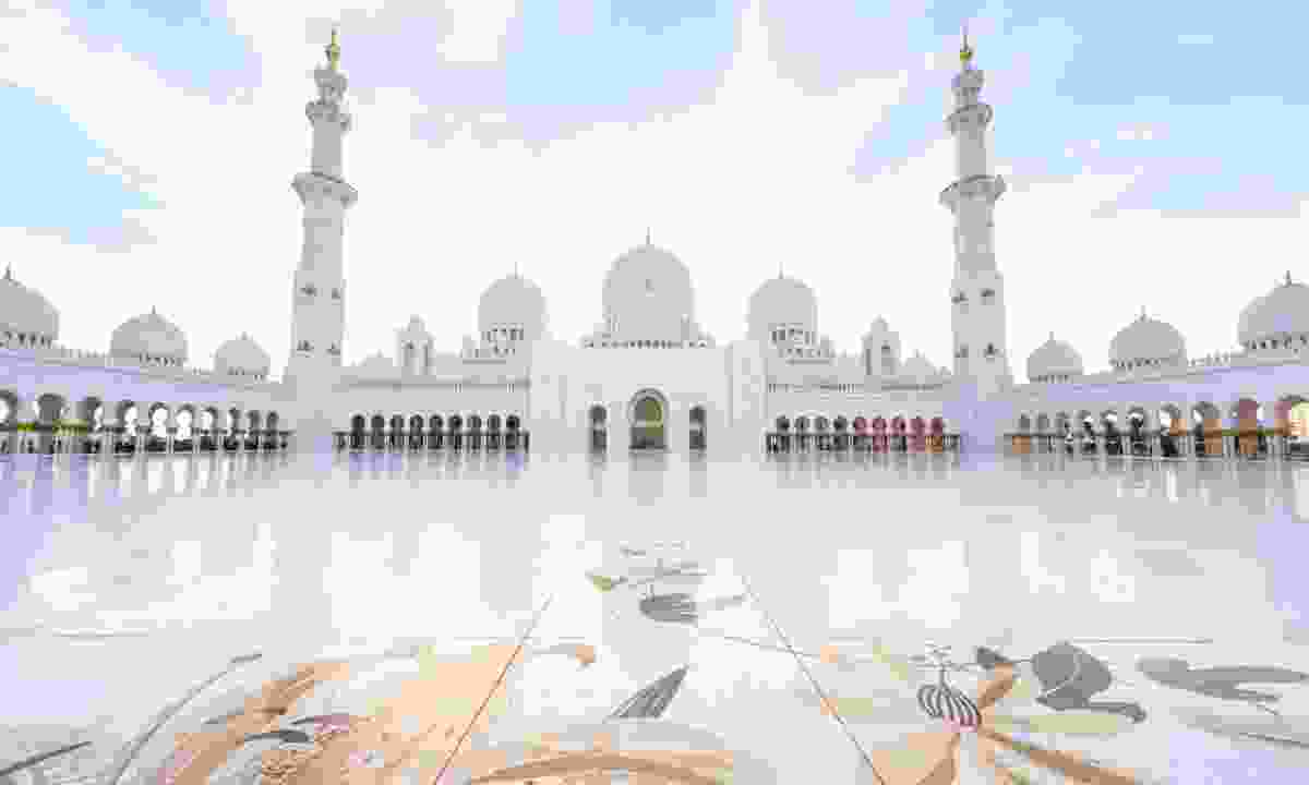 Sheikh Zayed Grand Mosque (Shutterstock)