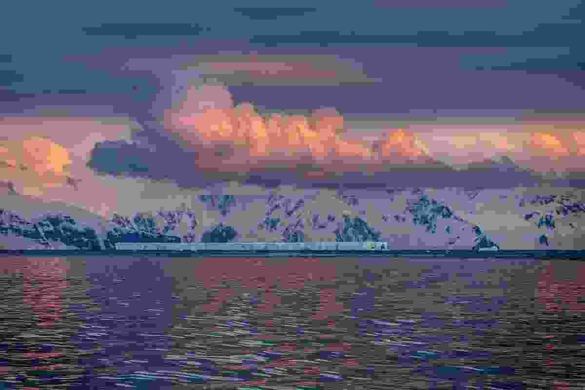 The midnight sun over the icebergs of Drake Passage, near the Antarctic Peninsula  (Dreamstime)