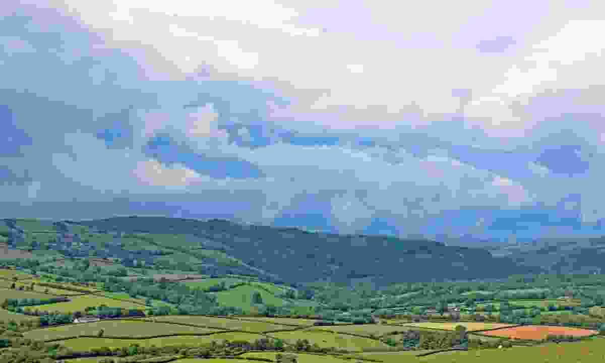 View of the Black Mountains in the Brecon Beacons (Dreamstime)