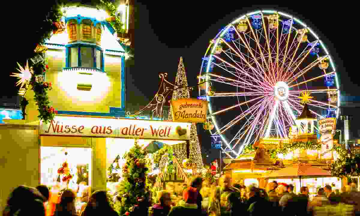 The Ferris wheel at Leipzig's Christmas market (Dreamstime)