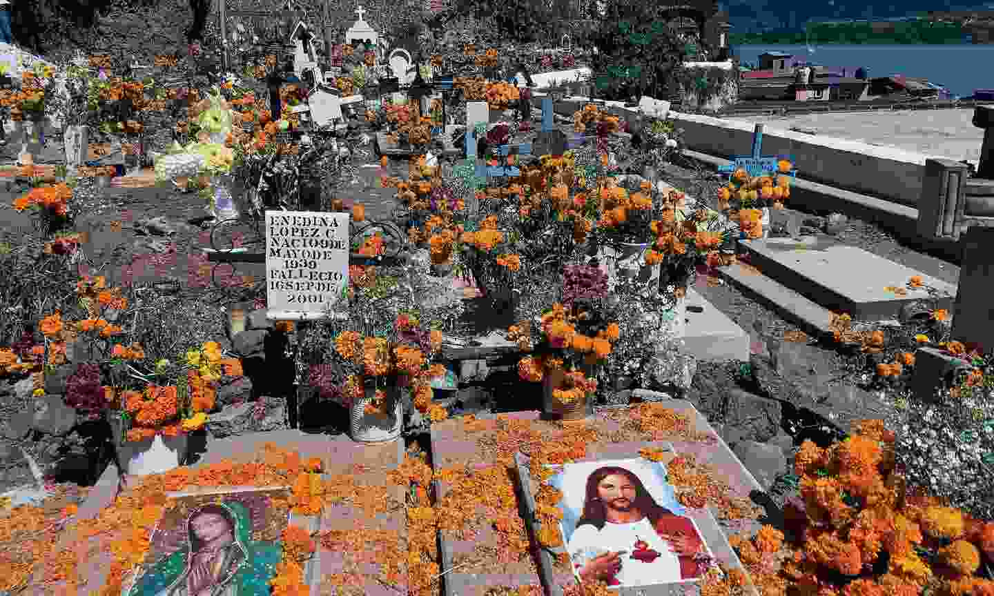 Day of the Dead decorations at the local graveyard on Janitzio island (Dreamstime)