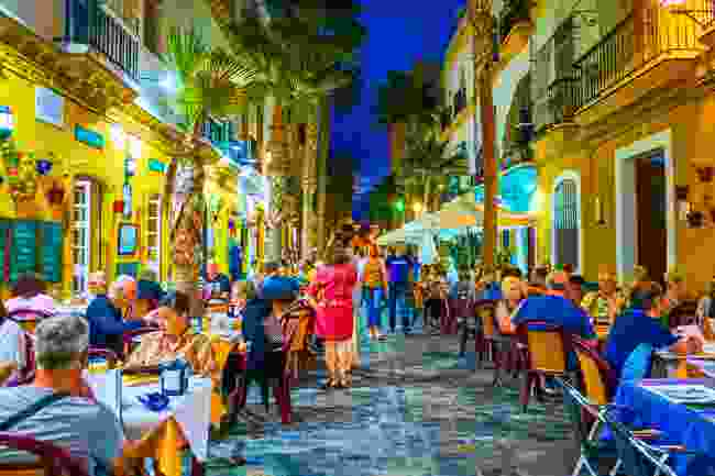 Locals and visitors enjoy the region's famous 'seafood street' in Cadiz (Shutterstock)