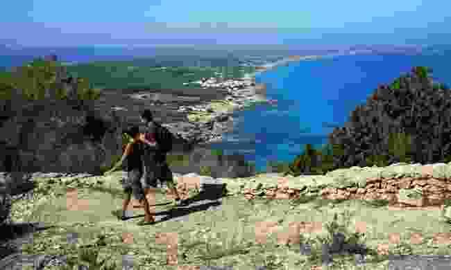 Walk the green routes (Turismo de Formentera)