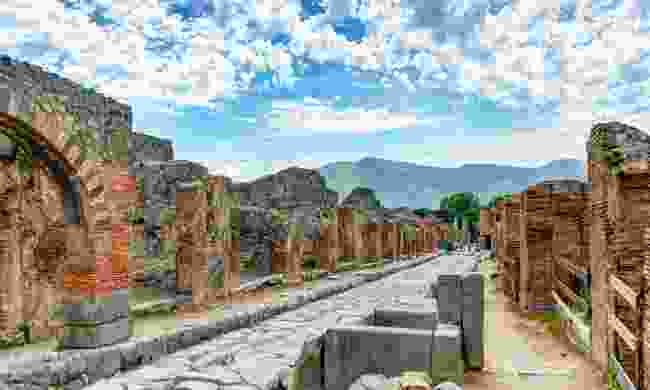 Explore Pompeii from home (Shutterstock)