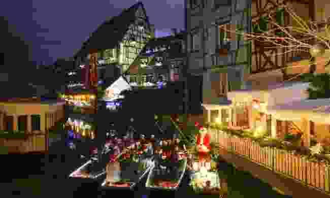 Carols by boat. Cool. (Colmar Tourisme)