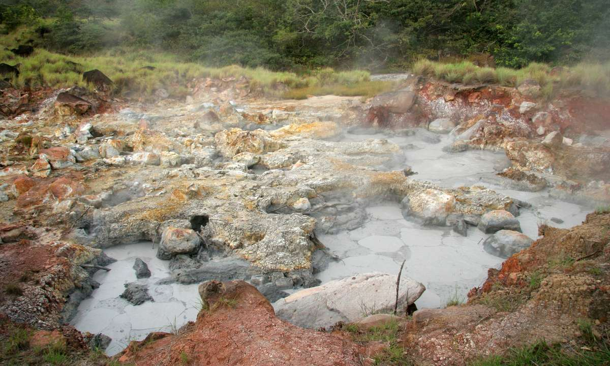Boiling mud in Rincon de la Vieja National Park (Dreamstime)
