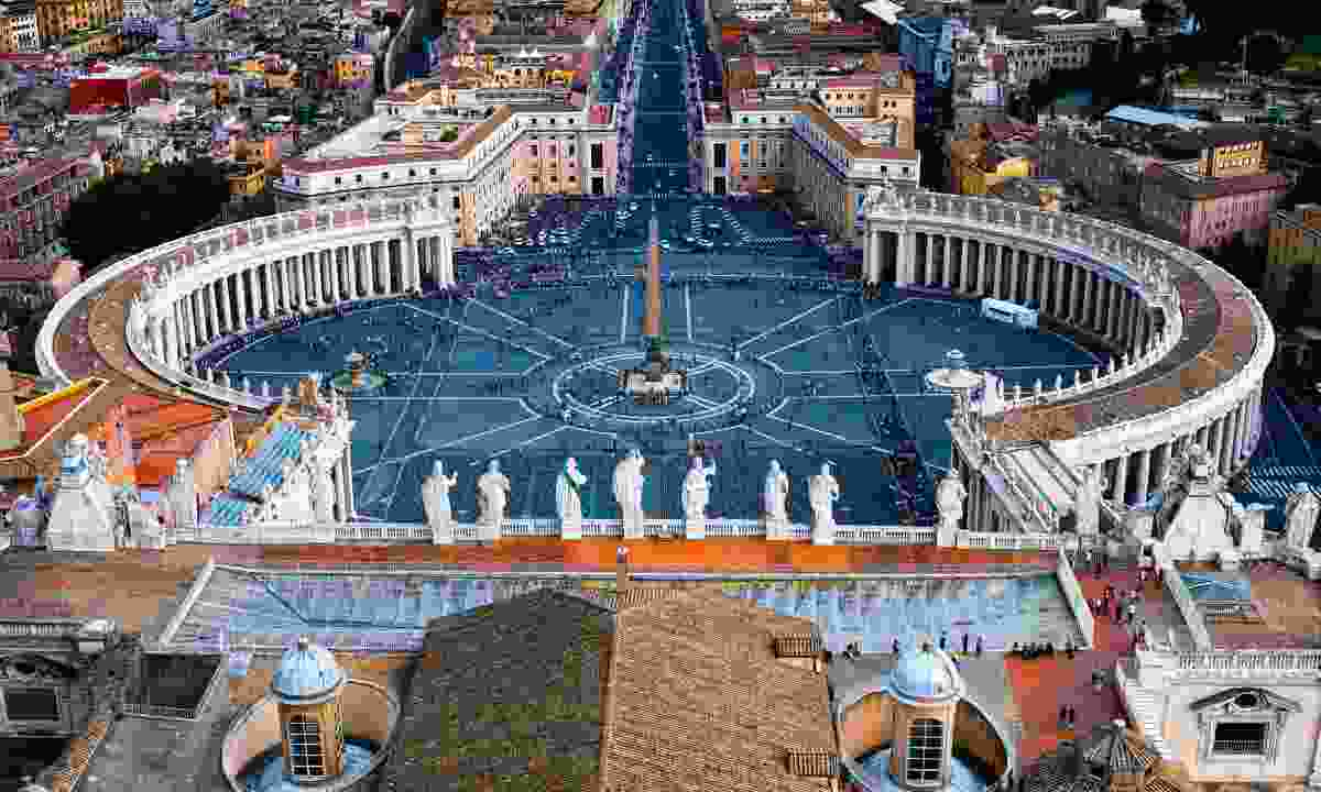 St Peter's Square (Dreamstime)