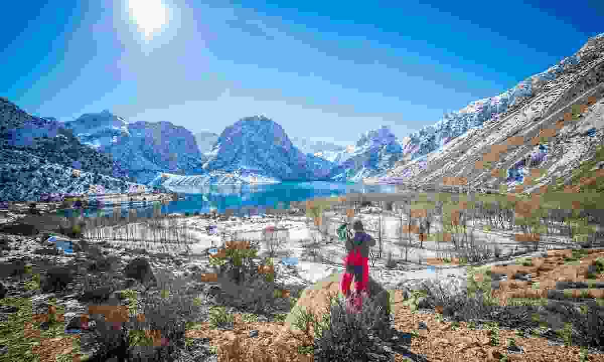 Iskanderkul in winter (Dreamstime)