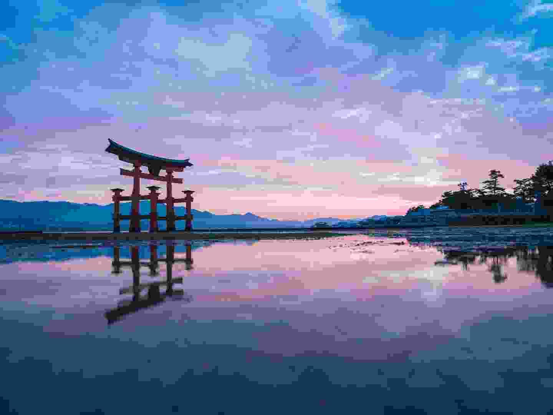 Itsukushima shrine, Miyajima (setouchitourism.or.jp)