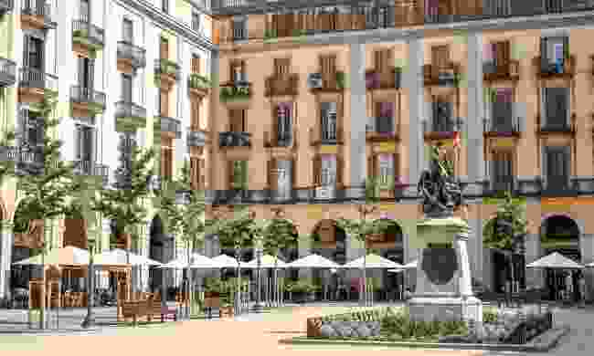 Girona's beautoful Independence Square (Dreamstime)