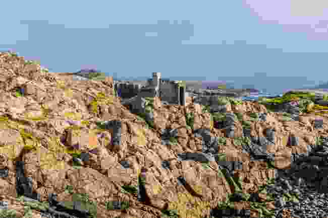 Hermit's Castle (Kav Dadfar)