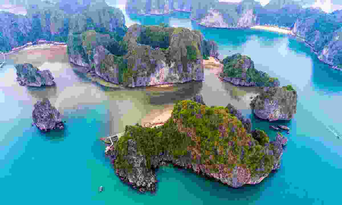 Lan Ha Bay is easy to reach from Cat Ba (Shutterstock)