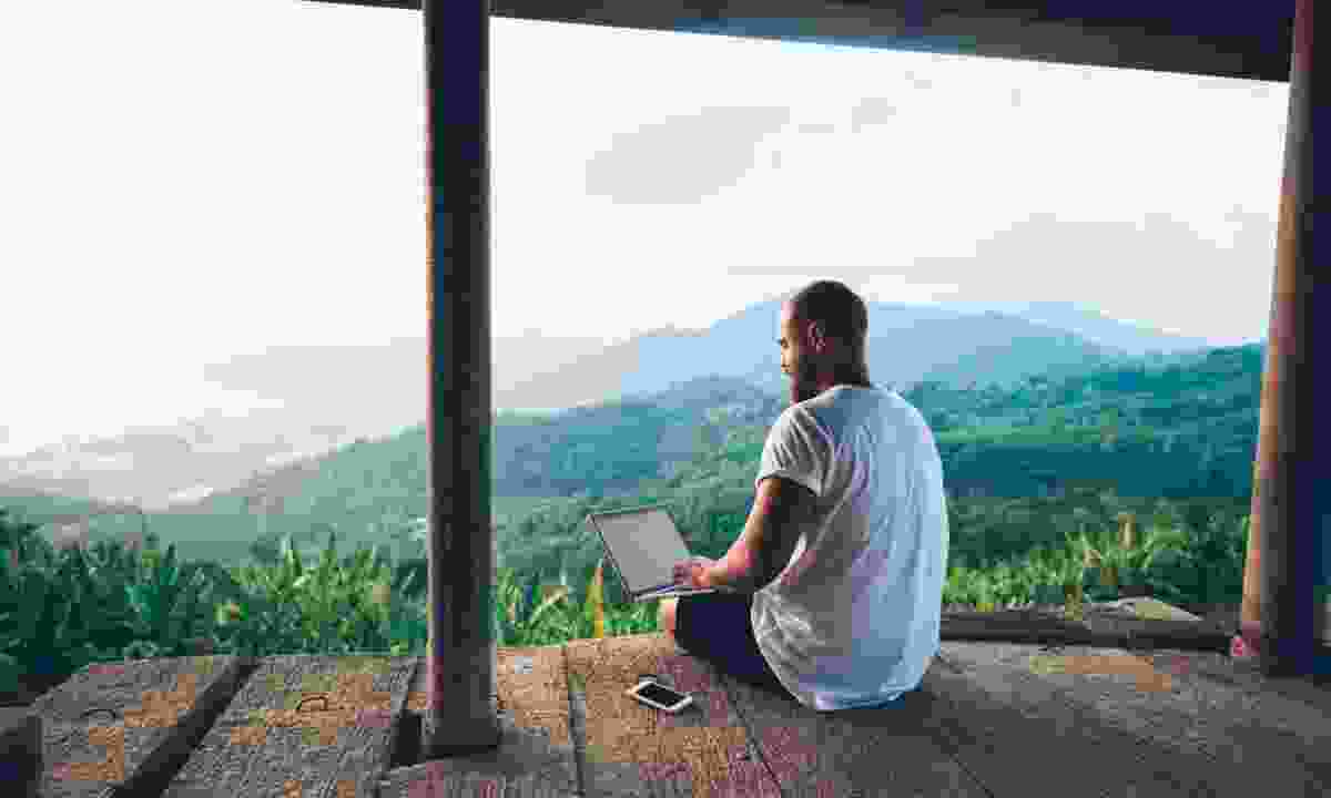 Keep a travel blog while exploring overseas (Shutterstock)