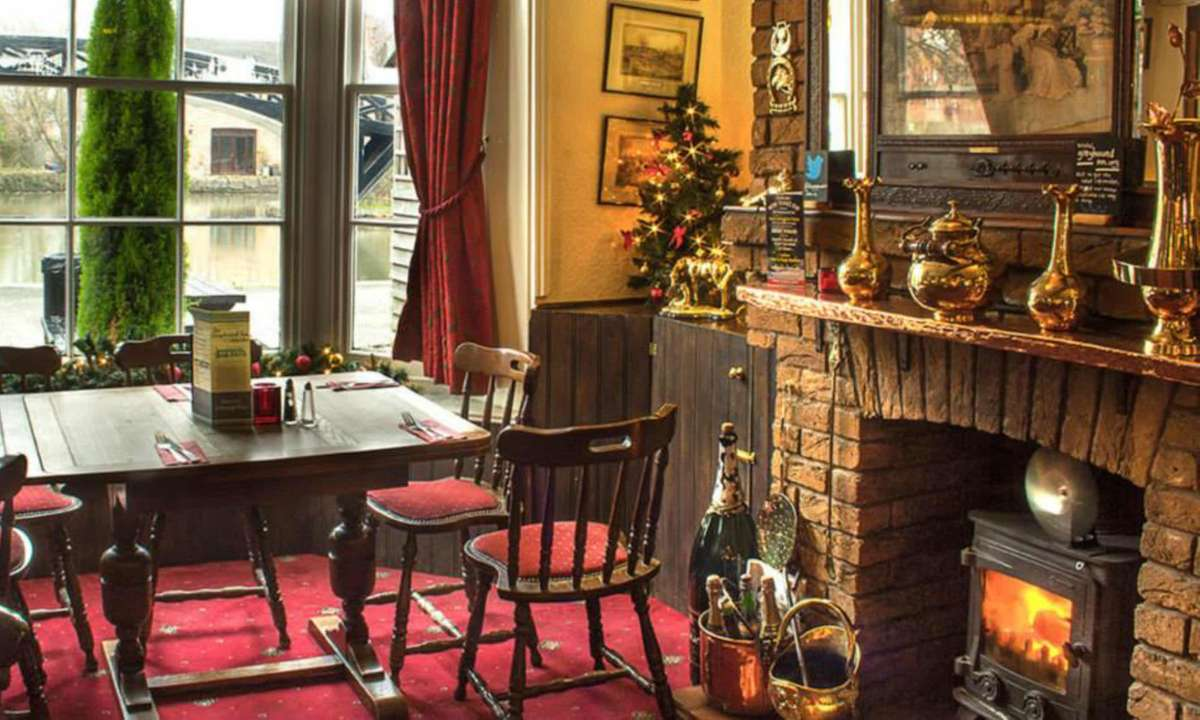 By the fire in December (The Greyhound Inn)