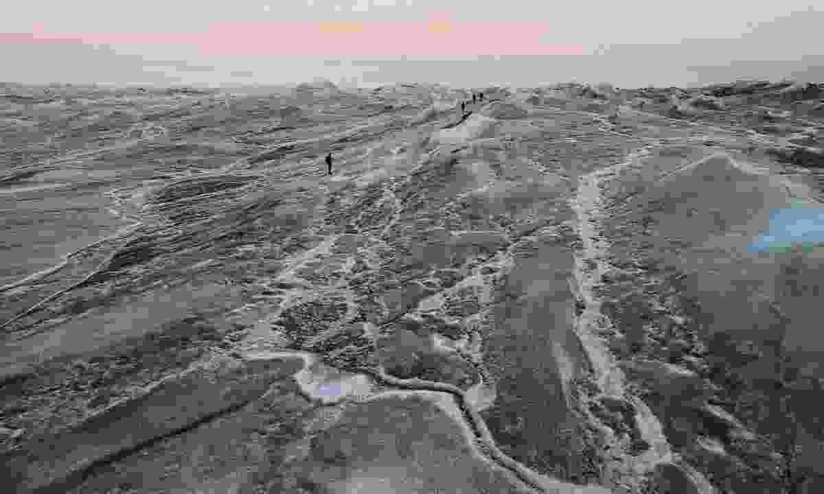 Walking the great ice sheet (Phoebe Smith)