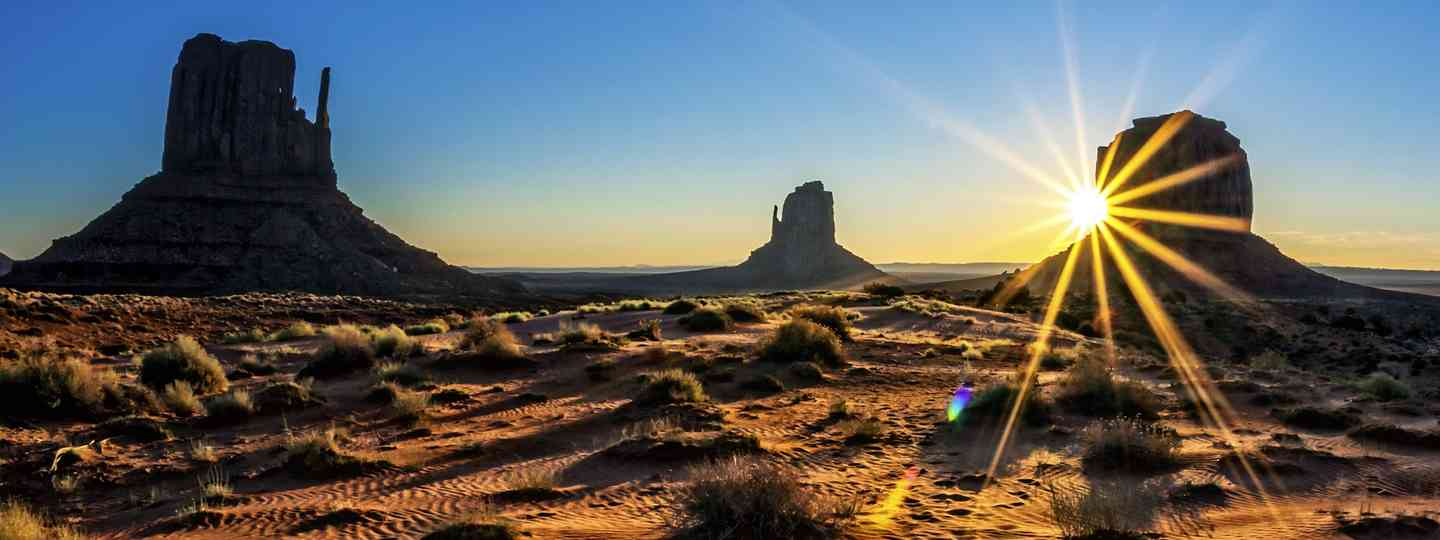 Sunrise at Monument Valley (Dreamstime)