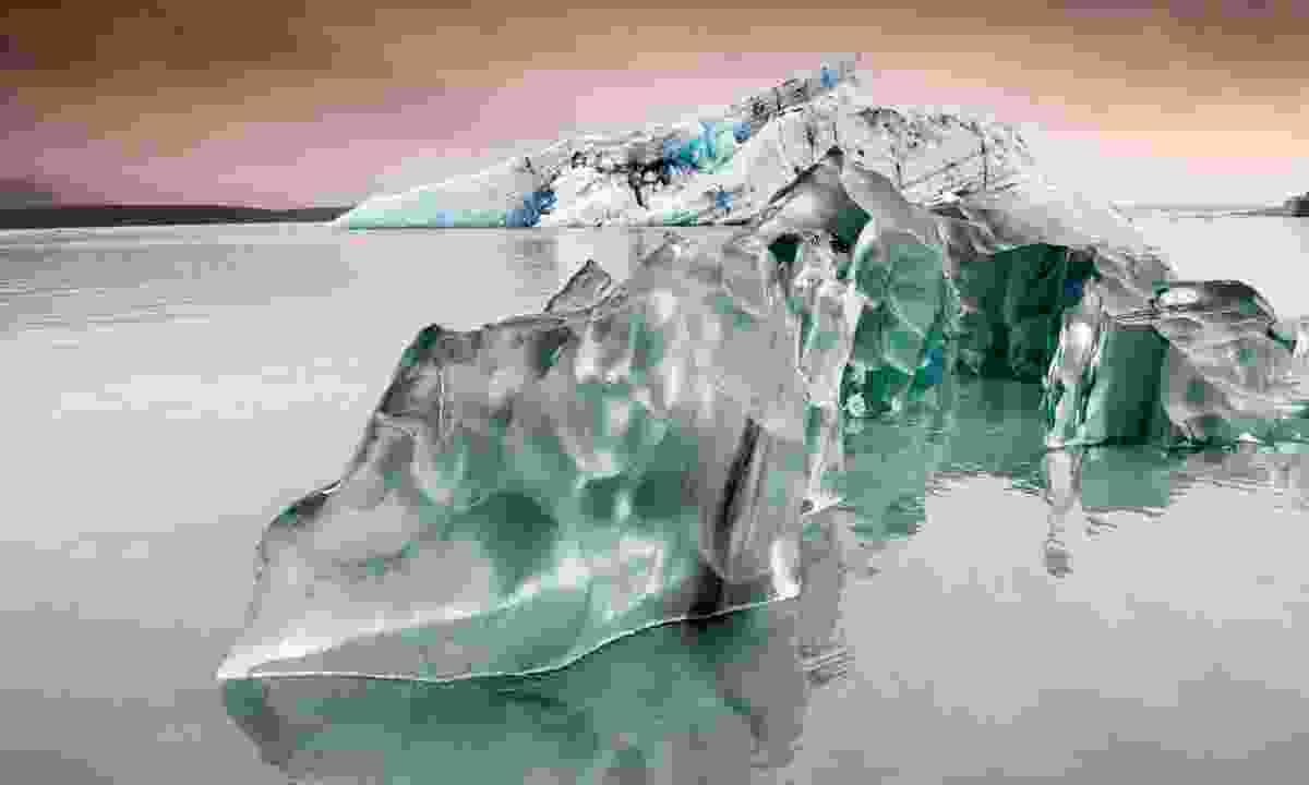 Glacier calve at Jökulsárlón, Iceland. (Dreamstime)
