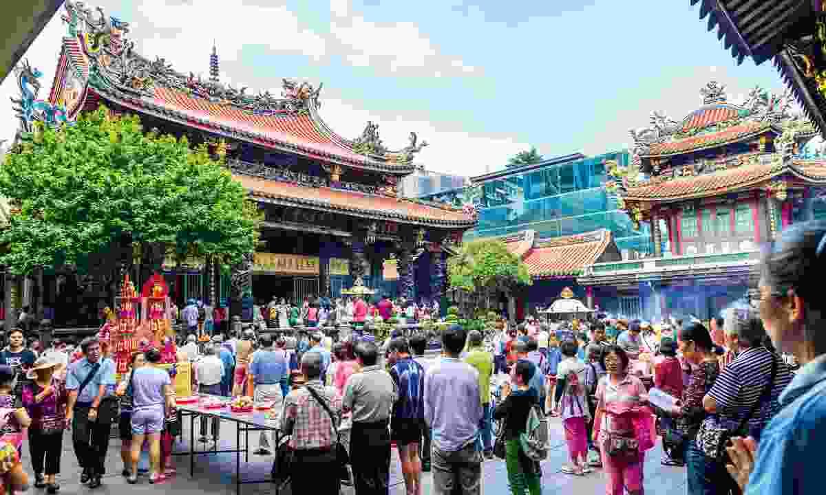 Longshan Temple, Taiwan (Dreamstime)