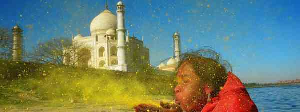Taj behind the colour, Sanghamitra Sarkar