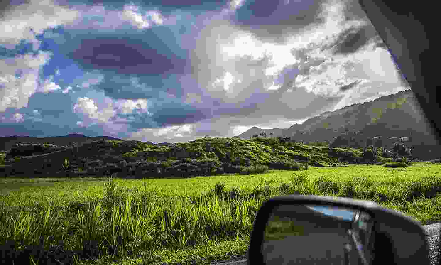 A car with a view, Belize (Dreamstime)